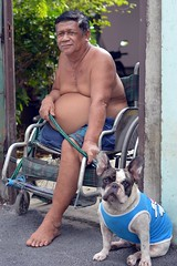 one-legged man with his dog (the foreign photographer - ) Tags: dec52015nikon one legged man bulldog dog wheelchair khlong thanon portraits bangkhen bangkok thailand gateway nikon d3200