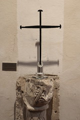 Nagelkreuz von Coventry (julia_HalleFotoFan) Tags: aufdenspurenderwettiner petersberg stiftskirche klosterpetersberg augustinerchorherren markgrafkonradi grablege nagelkreuzvoncoventry