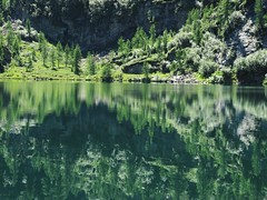 mirror lake (Bernhard Senn) Tags: baden benu cimalmotto ernen gleitschirmfliegen grimsel klettern kristallsuche minigolf pizbonboegn pizzoquadro sandra see selina sonnenuntergang strahlen sylvan tiere wandern