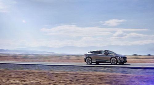 "Jaguar I-PACE Concept (4) <a style=""margin-left:10px; font-size:0.8em;"" href=""http://www.flickr.com/photos/128385163@N04/30705411530/"" target=""_blank"">@flickr</a>"