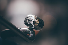 Do you see me? (Bokehschtig (ON/OFF)) Tags: bell bicycle bicyclebell bokeh dof shallowdepthoffield depthoffield polished shiny shining cream sonya7 sonya7m2 sonya7markii sony a7ii canon canonef7020028lisiiusm cologne street matte processed pov closeup fahrradklingel klingel fahrrad