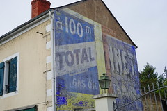 Total in Nevers 16.9.2016 4045 (orangevolvobusdriver4u) Tags: nevers rn7 route national 7 routenational7 routebleue 2016 archiv2016 france frankreich n7 sign schild ads ghostads oldads ghostsign reklame total