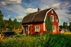 IMG_7932 tonemapped-1 (Andre56154) Tags: schweden sweden sverige haus gebude house building holzhaus himmel sky wolke cloud