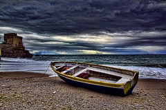 erchie (Valerio Stellato) Tags: costa barca mare torre acqua pioggia tempo burrasca amalfi costiera temporale mosso amalfitana avvistamento erchie burrascoso