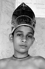 Little king (gornabanja) Tags: school boy portrait india face costume nikon king d70 head kerala dressedup crown
