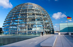 Reichstag Dome II (Paul 'Tuna' Turner) Tags: city travel vacation holiday berlin history architecture germany deutschland europe eu parliament historic reichstag german dome government historical bundestag mitte tiergarten europeanunion houseofparliament deutsch sirnormanfoster historicbuilding capitalcity neoclassicalarchitecture paulwallot germangovernment neobaroquearchitecture
