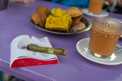 Kalaw - Indian style coffee break (Thomas G. from U.) Tags: food essen asia asien burma cigar smoking myanmar activity chai coffeebreak shanstate kalaw indianstyle indiansweets alcoholicdrink unionofburma aktivitten taunggyidistrict republicoftheunionofmyanmar burmesecigar