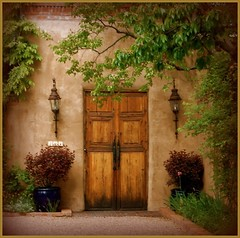 Garcia Street Entry (suenosdeuomi) Tags: door newmexico santafe architecture wow toys blog flickr framed eingang explore page frame effect processed entry myhood garciastreet puertas tueren whatdoyouthink artcafe landofenchantment yourverybest suenosdeuomi enteras thelookofthesouthwest thegalleryoffinephotography hauseingaenge versusoriginal forsellinstix oneofmymostviewedimages especiallywhencountedinitsvariousversions