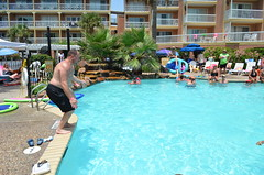 2013 rits sat pool party (69)