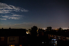 Sommernacht (grapfapan) Tags: sky rooftop night clouds stars starrynight