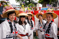 Group Shot - Kanda Matsuri 2015 (Apricot Cafe) Tags: holiday japan weekend performance parade matsuri chiyodaku mikoshi traditionalfestival tokyo東京 tōkyōto canonef1635mmf28liiusm portableshrineお神輿 img613180 ochanomizu御茶ノ水 kandamyojin神田明神 kandamatsurifestival神田祭