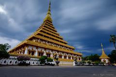 Wat Nong Waeng (sherwinreyesfotografia) Tags: architecture landscape thailand religious temple outdoor fujifilm 12mm khonkaen samyang earthasia xf1024mm