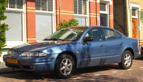 1999 Chevrolet Alero 2.4 SA (Oldsmobile) (rvandermaar) Tags: chevrolet 1999 24 oldsmobile alero oldsmobilealero chevroletalero sidecode5 zjtt17
