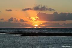 Amanhecer em Serrambi (Carlos Amorim (Camorim10)) Tags: mar praia sol sunset prdosol serrambi ipojuca pernambuco brasil