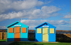 Beach huts for hire at Little Shore, Amble (neil mp) Tags: northumberland amble coquet harbour estuary beachhuts littleshore quay