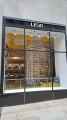 2016-10-19 - Rockefeller Center - Lego store (zigwaffle) Tags: 2016 nyc newyorkcity manhattan timessquare rockefellercenter saintpatrickscathedral fifthavenue wretchedexcess centralpark
