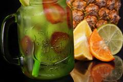Coctail Natural (José Ramón de Lothlórien) Tags: producto tarro vidrio frutal jasonjar cold freeze fresco fío piña naranja fresa anfora