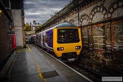 CreweRailStation2016.10.22-40 (Robert Mann MA Photography) Tags: crewerailstation crewestation crewe cheshire station trainstation trainstations train trains railway railways railwaystation railwaystations railstations railstation virgintrains virgintrainspendolino class390 class390pendolino pendolino northern northernrail class323 eastmidlandstrains class153 class350 desiro class350desiro arrivatrainswales class158 towns town towncentre crewetowncentre architecture nightscapes nightscape 2016 autumn saturday 22ndoctober2016 londonmidland