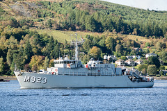 Belgian Minesweeper 'Narcis' leaving Faslane. (.....cowboybuilder.....) Tags: belgiannavy jointwarrior162 m923 minesweeper narcis riverclyde warship