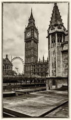 Standing proud (mystero233) Tags: london uk capital bigben tower parlament parliament londoneye ferrywheel town citylige mono old vintage effect clock