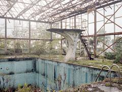 Abandoned pool (soho42) Tags: abandoned swimmingpool decay lost urbanexploration urbex film analog mamiya645protl kodakportapro400