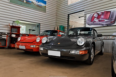 Porsche 911 Turbo (964) & 911 Carrera RS (964) (Jeferson Felix D.) Tags: porsche 911 turbo 964 porsche911turbo964 porsche911turbo porsche911 porsche964 carrera rs porsche911carrerars canon eos 60d canoneos60d 18135mm rio de janeiro riodejaneiro brazil brasil worldcars photography fotografia photo foto camera