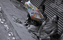 Knowledge is power! ([s e l v i n]) Tags: street india news colors reading newspaper power candid streetphotography read bombay knowledge mumbai colouring mws eunuch knowledgeispower breakingnews selectivecolouring matunga eunuchs ©selvin matungamarket eunuchsreadingnewspaper