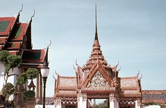 Thailand 1969 - Sacred Place Wat Pho (Sir Hectimere) Tags: thailand placesofworship siam watpho buddhisttemples sacredplaces bangkokthailand classicarchitecture thaiarchitecture