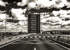 Thanks to an open bridge part 3 (Wijnand Schouten) Tags: bridge clouds photo fuji traffic picture wolken brug verkeer x100 wijnand ooltgensplaat haringvlietbrug wijnandschouten vigilantphotographersunite wwwwijnandschoutencom