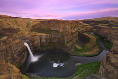 Palouse Falls Sunset (sameermundkur) Tags: sunset color water clouds waterfall washington long exposure falls palouse