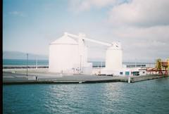 Calais-Dover (Carl Crwl) Tags: sea art industry clouds analog canon meer europe ae1 kunst teen carl a1 industrie kb cloudporn dover calais analouge kleinbildkamera kleinbild calaisdover wolcken analoug crwell
