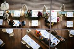 Senza titolo. (FilippoMarchi) Tags: porto ristorante barcellona spagna maremagnum riflesso catalogna tavoli ombrellone