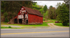 Rock City Barn (Jerry Jaynes) Tags: chattanooga barn nc northcarolina lookoutmountain rockcity brysoncity timesgoneby see7states rockcitybarn swaincounty nikkor1685vr clarkbyers