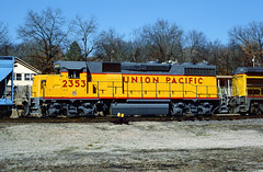 UP GP39-2 2353 (Chuck Zeiler) Tags: up 2353 gp392