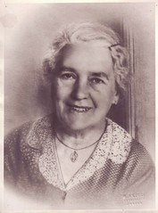 Photo by M. Arceci (1941) (Ferencdiak) Tags: pola 1941 urbino arceci mauroarceci portr portrait woman idsn csipkegallr italy