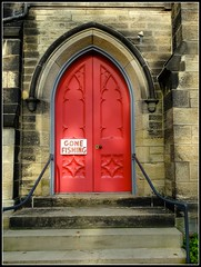 Even Anglicans Deserve a Day Off (e r j k . a m e r j k a) Tags: pennsylvania allegheny edgeworth sewickley anglican church door handwritten signs pa65 upperohiovalley i79pa erjkprunczyk explore