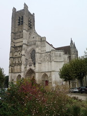 Cathedral of St-Etienne (St.Stephen) in Auxerre (Burgundy) (Sokleine) Tags: cathedral cathédrale gothic gothique culte religion catholic middleages auxerre yonne 89 bourgogne burgundy france frenchheritage mn monumenthistorique