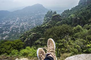 En la Piramide del Tepozteco, disfrutando de la increible vista del pueblo magico de Tepoztlan, Morelos