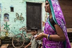 VARANASI: COULEURS (pierre.arnoldi) Tags: inde india varanasi couleurs uttarpradesh benares photooriginale pierrearnoldi