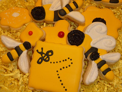 BUZZZZ................. (steamboatwillie33) Tags: black flower kitchen yellow buzz cookie sugar bee bumble platter 2012 decorated cutters