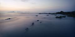 Bajamar en Prado (F SoGel :-)) Tags: playa prado crepusculo ocaso pontevedra rocas orilla cies nigran riadevigo