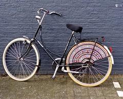 . (Gingini22) Tags: bicycle crochet folklore fiets haken staphorst fietsnet