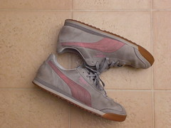 That should be PINK! (CallalilyGazer) Tags: pumas dirtyshoes tennisshoes oldshoes stinkysneakers