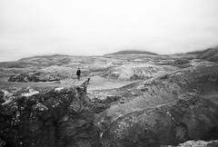 On the ledge (alex omarsson) Tags: fog moss rocks canonae1 kodakbw400cn hófí