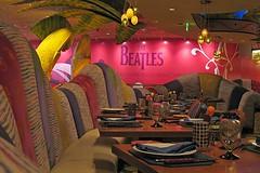 Beatles Lounge (AntyDiluvian) Tags: vegas southwest hotel lasvegas nevada lounge casino tropical theme beatles mirage tropicaltheme beatleslounge loungerevolution