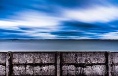 4 1/2 minutes of colored sky (David Cartagena) Tags: longexposure seascape landscape denmark inlet fjord dänemark danmark frederikssund dinamarca haida habour a900 sonyalpha isefjord sal20f28 alpha900 dinemarca sonyalpha900