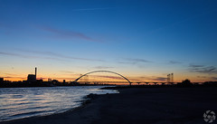 Bridge and beach at Night (PaaulDvD) Tags: nijmegen nimgue holland netherlands landscape paysage night light sunset lumire nuit waal rhin river water