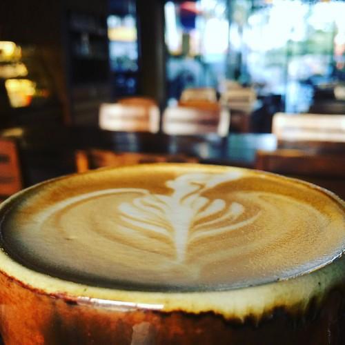 #coffee #coffeeshop #coffe #coffeetime #coffeelover #coffeebreak #coffeegram #coffeelove #coffeeart #coffeelife #coffeebreak #coffeelovers #coffeeshesh #positiveenergy #cm #cnx #chiangmai #northern #th #thailand #wawee #waweecoffee