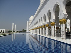 Sheikh Zayed Mosque (MASRURAASHRAF) Tags: mosque islam architecture building travel tourism beauty prayer maa maa7 masrurashraf masrur masruraashraf water cool calm uae abudhabi abu dhabi city worship tourist sheikh zayed grand masjid sheikhzayedmosque canon canonixus gulf gcc world