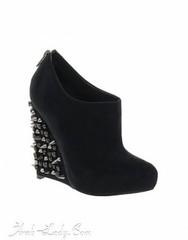 أحدث خطوط الموضة في الأحذية - Studded Shoes (Arab.Lady) Tags: أحدث خطوط الموضة في الأحذية studded shoes